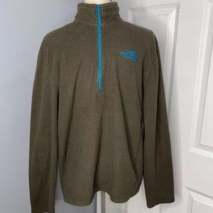 The North Face light weight 1/4 zip fleece